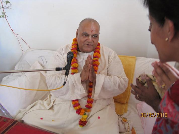Discourse by H.H.Sarvabhauma Swami at ISKCON, Kanpur