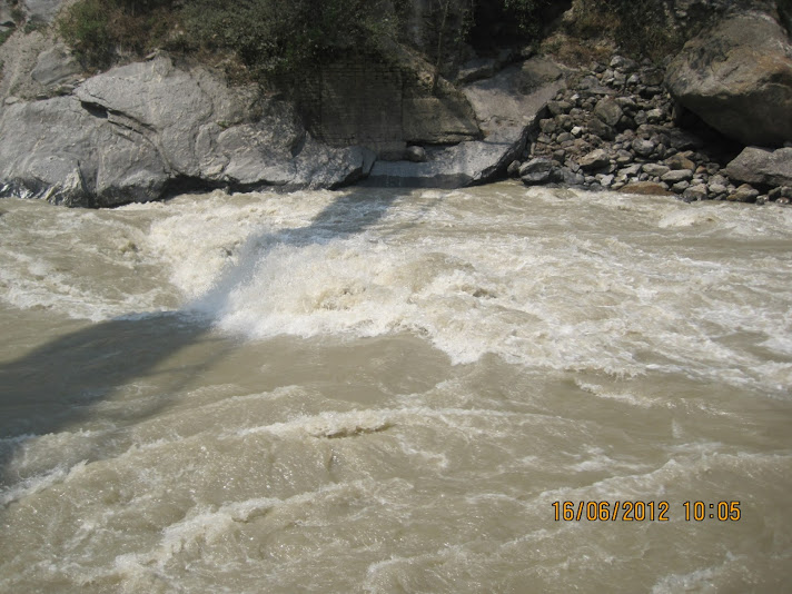CONFLUENCE AT VISHNU PRAYAG