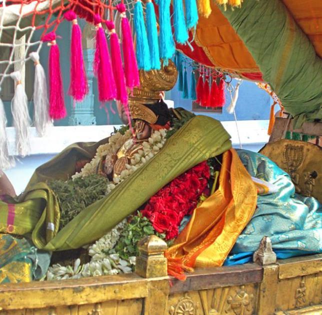 Azhwar-Thirunagari-Namazhwar11