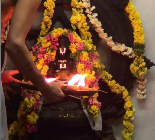 Thiruvelukkai-ThiruKarthigai-utsavam-2013-12