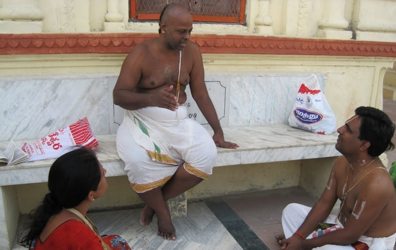 Swami quoting Nammazhwars pasuram about the greatness of guptar ghat