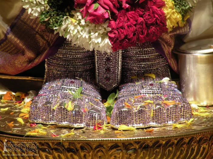 suprabhatam-seva-lord-balaji-iskcon-temple