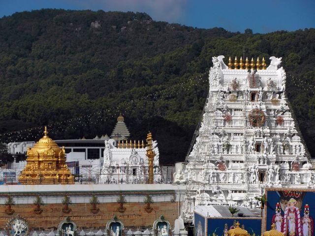 tirumala-venkateshwara-temple-1200